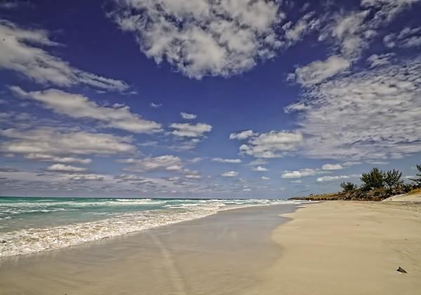 Пляж Икакос