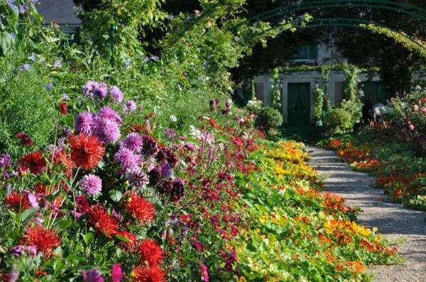Нормандский сад в Живерни