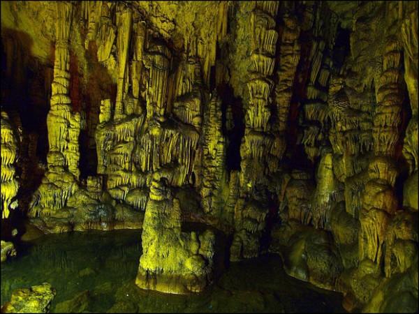 Пещера Диктеон-Андрон